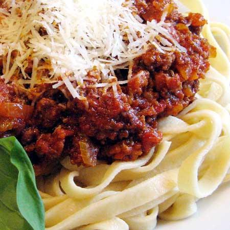 pasta-tomatosauce-parmesan.jpg